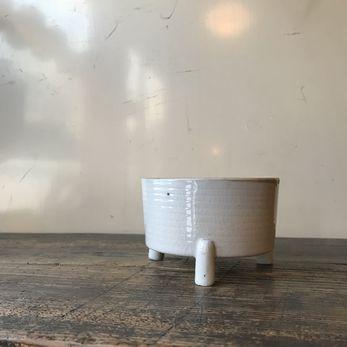 湯川焼の白磁三足香炉|函館・泉山了谷2